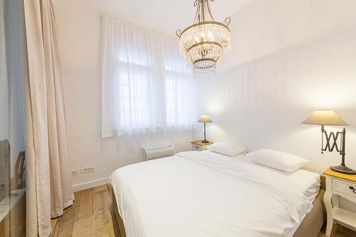 App2-bedroom
